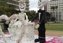 Día de los Muertos 2016 / La ciudad de Los Ángeles conmemora el Día de los Muertos con una exhibición de altares elaborados por artistas y organizaciones locales que resaltan el recuerdo de sus seres queridos ya fallecidos.