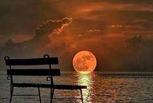 Moonrise / Breathtaking Moonrises.