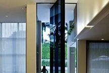 Portas, Portões, Esquadrias & Janelas / Entradas e saídas de seu habitat...