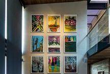 Na Vertical: Bibliotecas Quadros Telas Pedras Jardins / Aproveite o máximo do espaço que molda o seu quarto, sala, cozinha etc: as paredes - você gastou muito para tê-las...