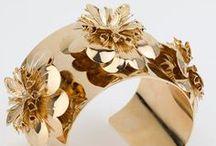 Gold Jewelry/ joyitas doradas / Gold..........