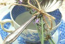 Tea time/La hora del te / Loving tea cups,finne china, scones, flower centerpieces... Adoración por las vajillas de porcelana, los scones, los centros de flores....