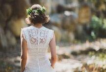 Lace for a bride/ Encaje para una novia / We love antique lace is so chic..  Nos encanta el encaje antiguo es tan elgante