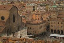 Visiting Bologna in Italy / Bologna,the regional capital of Emiia Romagna in the northwest region of Italy. Bologna is better known as the agriculture and foodie capital. An ancient medieval city that is well preserved and filled with amazing architecture, art, food and culture. Bologna is a historic city filled with so much Italian flavor and spirit. l Top attractions to see and do in Bologna. Check out more details on Bologna travel below http://travelphotodiscovery.com
