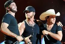 Country Music photos / Top photos of your favorite country stars and up and coming stars.