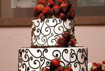 Cakes / by Mιcнєllє Bαrrισѕ
