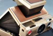 The mirage of Polaroid / Give a little bling-bling to instant photography, with this classic and very rare edition of Polaroid SX-70 Alpha 1 gold plated camera.