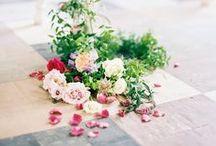 REMEMBERME | BLOEMEN VOOR DE UITVAART / Welke rouwbloemen passen bij jouw persoonlijkheid? En welke kleuren in het rouwboeket passen bij wie jij bent? Vind inspiratie voor de mooiste afscheidsbloemen op jouw uitvaart.  Bezoek ons op: www.rememberme.nl