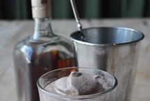 Drinks / by Nia Nielsen