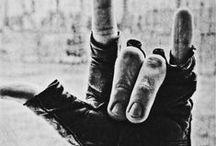 "Rock N' Roll / ""Rock and Roll não se aprende nem se ensina."" — Raul Seixas / by Willana A."