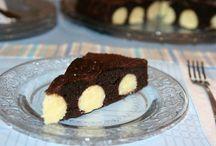 Retete prajituri si dulciuri / Romanian cakes and sweets recipes. / by Yasemin Kara