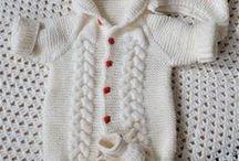 Одежки / Одежда для новорожденных малышей ручной работы: пледы, шапочки, пинетки.
