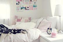Dorm Room / Warning! Very dormy!!
