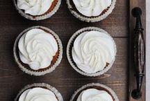 """Na słodko i słono / """"Take My Cake"""" to miejsce dla tych, którzy lubią gotować i nie mają zamiaru spędzić całego życia w kuchni. Proste, a zarazem pyszne i łatwe do przygotowania, eleganckie i niebanale przepisy."""