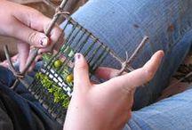 weaving and looms / DIY / tkaní látek, bavlnek, provázků a korálků k dekoraci nebo k výrobě lapačů snů a podobně / by Iva Brožková