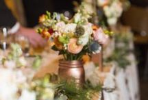 Nicollet Island Pavilion (Julie + Cooper) / Find beautiful floral for your winter wedding from this Twin Cities wedding at Nicollet Island Pavilion. Photos by Bellagala's Jessica R. Floral design by Artemisia Studios.