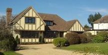 Oak Framed Homes and Extensions / Oakmasters has created an impressive portfolio of spectacular oak buildings – from contemporary hybrid oak houses to light, airy timber extensions, traditional period builds and environmentally sensitive restorations.