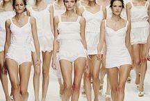 BLANCO...WHITE...BLANCO / Pieles, vestidos, zapatos, accesorios, etc.de famosos diseñadores. Do not pin more than 5 pins per day. Thanks.