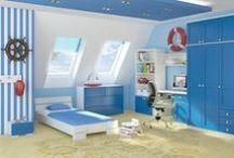 Łóżka dla dzieci / Przedstawiamy kolekcję łóżek dziecięcych odpowiednich do każdego pokoju dziecięcego i młodzieżowego. Łóżka dziecięce i młodzieżowe wykonane są z wysokiej jakości drewna sosnowego i bukowego. Dostępne są opcje z pojemnikami na pościel oraz materacami. Szeroka gama kolorów!