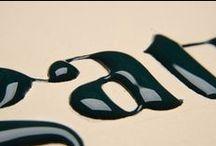 T1_ El segle d'or de la tipografía / Guttenberg i les grans familíes tipogràfiques.  1.1. Renaixement: els impresors-editors italitans. El desenvolupament de la impremta a Itàlia: Nicolas Jenson, Aldo Manuzio  1.2. s. XVI, XVII i XVIII: la lletra com a art. França: Claude Garamond, Família Didot. Anglaterra: William Caslon, John Baskerville. Itàlia : Giambattista Bodoni
