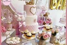 Baptêmes et baby-sowers / CupSiCake créé des gâteaux incroyables pour vos baby showers, et créé également des ambiances incroyables pour la décoration de votre événement, avec ds sablés, des pop cakes et des cup cakes assortis.