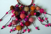 Gioielli, collane , bracciali ed anelli