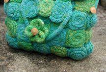 Spool kniting