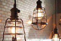 Фонари, лампы, подсвечники