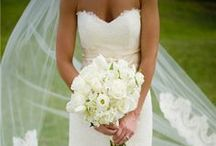 Wedding/Engagement Ideas / by Hannah LeJeune