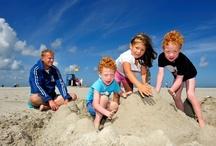 WE ♥ TERSCHELLING / Terschelling is vanuit het westen gerekend het derde bewoonde Nederlandse Waddeneiland. Het eiland heeft in totaal 30 kilometer strand en ruim 70 km fietspaden. Terschelling heeft bijna 4.800 inwoners en op het eiland zijn 12 dorpen en buurtschappen: West-Terschelling, Hee, Horp/Kaard, Kinnum, Baaiduinen, Striep, Midsland, Landerum, Formerum,  Lies, Hoorn, en Oosterend.  Rederij Doeksen onderhoudt dagelijks de veerdienst van en naar dit prachtige eiland in de Waddenzee.