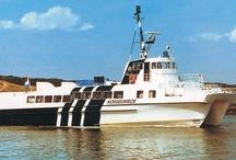 UIT DE OUDE DOOS / Rederij Doeksen bestaat sinds 1908 en in de loop der jaren heeft onze vloot veel schepen gekend. Hier zie je er een aantal. Schepen uit onze vloot zijn na hun dienst overal ter wereld terecht gekomen. Mocht je ze ergens - in binnen- of buitenland - spotten, stuur ons dan een foto via info@rederij-doeksen.nl!
