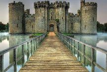 Castillos / Cualquier castillo que me sirva de inspiración mientras esté despierto o dormido.