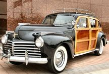Cars from the 1940s - 1950s / Gorgeous Cars of the 1940s - 1950s  I love big old Cars with curves!  The '41 Chrysler Town and Country Station Wagon is my  Favorit!! ❤️❤️❤️ but I'd also take a '47 / '48 Buick Roadmaster