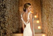 Wedding dresses / Beautiful wedding gowns and dresses. Bridal veils and wedding dress details.