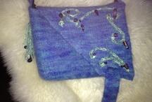 Taske / Strikket og valket af uld