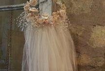 Ins. Peinados y Tocados / Peinados desenfadados, coronas de flores, velos románticos.... inspiración para novias y diseñadoras