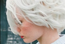 Colourful hair (silvery white)