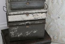 Antiques & metal...