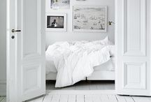 White rooms / White rooms, calm, fresh and simple.