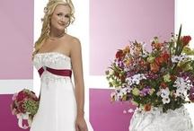 Wedding Dresses / by Willeke Koster