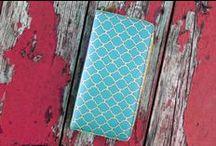 Arianna Collection / Faux leather large wristlet zipper wallet. Wholesale www.mlavi.com Retail www.mlavi.ca