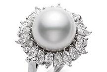 Pearls && Bling / by Phyllis Tieri