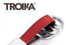 """TROIKA / Lasciatevi ispirare dal nuovo design TROIKA. Sorprendete chi vi circonda con doni di stile che saranno apprez- zati ogni giorno, per i quali riceverete un """"grazie"""" sincero."""