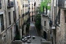 Girona Streets / Down the streets we love: Girona #GironaLove http://www.urbanhypsteria.com/girona-streets/