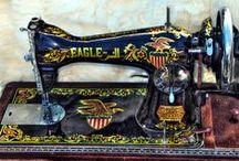 Vintage Sewing Machine / staré šiace stroje