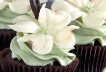 Cupcakes / by Lyn Drinkard