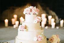 Wedding Cake / Un percorso affascinante che scopre l'universo del wedding attraverso un laboratorio di fioristi, un'agenzia di servizi e un'organizzazione di eventi.