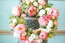 Wreath mania / If you're a wreath addicted like me... pin with me! DIY, photos, flowers all wreath related!  Please do not post SPAM to my board. Violators will be removed. If you would like an invite to this group email me (caseperlatesta@gmail.com) your Pinterest account name and i will add you to the board, or else write me in the comment