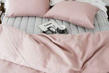Schlafzimmer | Bedroom / Hier findest du alles rund um das Schlafzimmer (Bedroom). Tolle Betten, Bettwäsche und schöne Details.   Bedroom, Schlafzimmer, Home, Interior, Wohnen,  Einrichtung,  Ruhe, Schlafen, Leben, Insel, Zuhause, Wohnen, Dekoration, Wohnaccessoires, Home & Living, Interior, Interieur