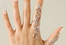 Hand Jewellery / Diamonds don't have to be restricted to your fingers..!